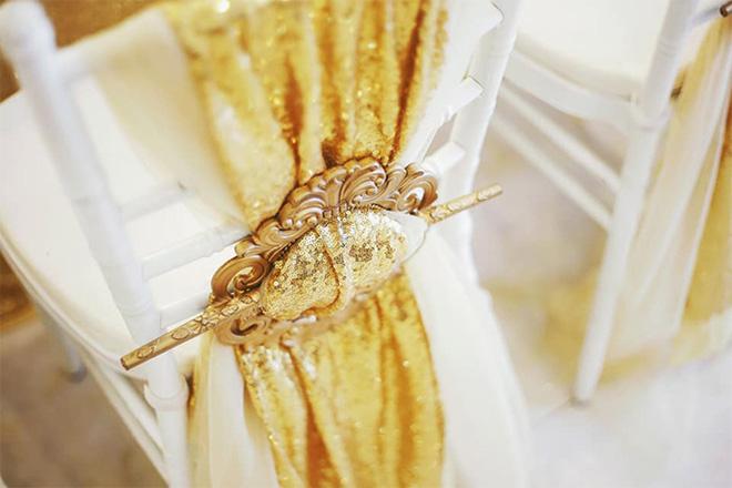 """Nữ ca sĩ đeo vàng trĩu nặng tay trong đám cưới """"khủng"""" ở Vĩnh Long là ai? - 3"""