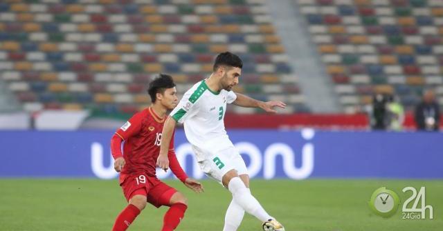 Trung vệ Duy Mạnh mắc sai lầm hi hữu: Messi Iraq trừng phạt