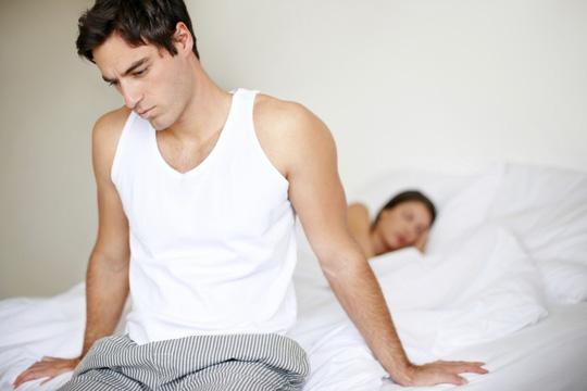 """Lý do bất ngờ khiến quý ông """"thất thủ"""" trên giường - 1"""