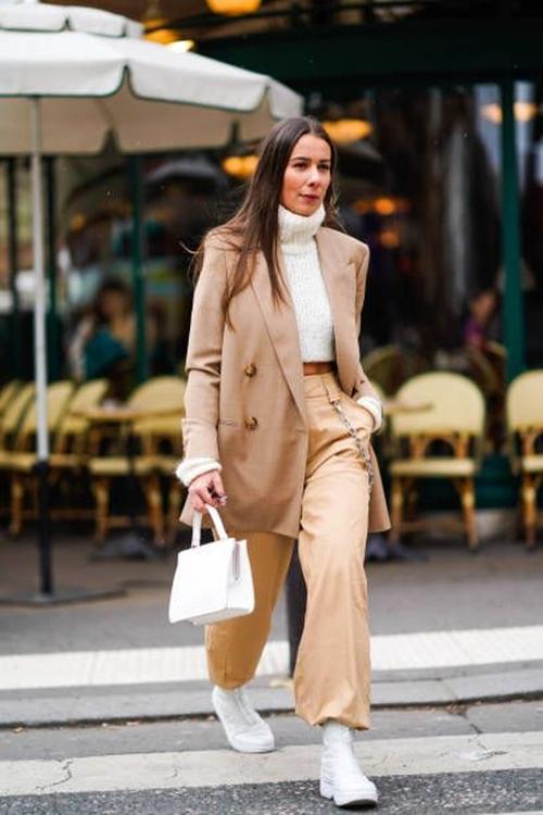 3 cách diện len cổ lọ siêu đẹp cho nữ công sở ngày giá rét - 1