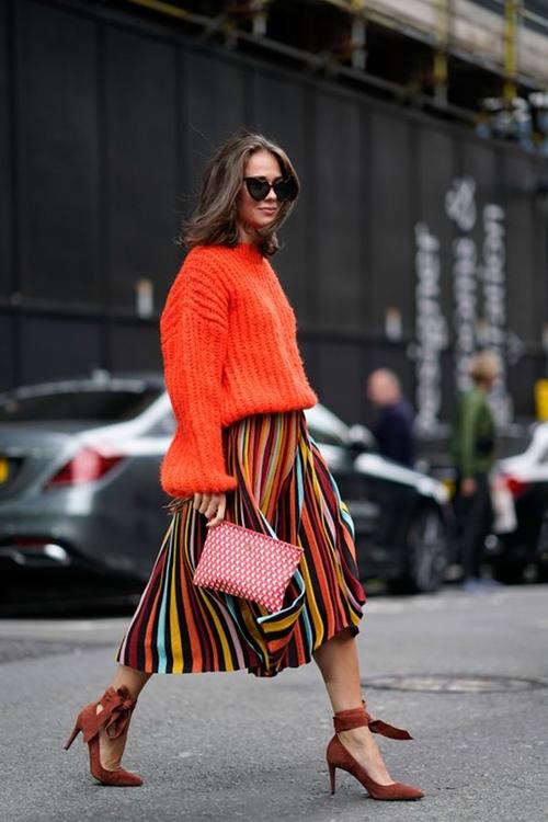 3 cách diện len cổ lọ siêu đẹp cho nữ công sở ngày giá rét - 11