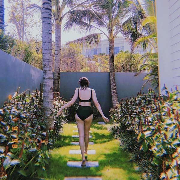 """""""Em chưa 18"""" Kaity Nguyễn diện bikini cạp cao chào tuổi 19 - 3"""