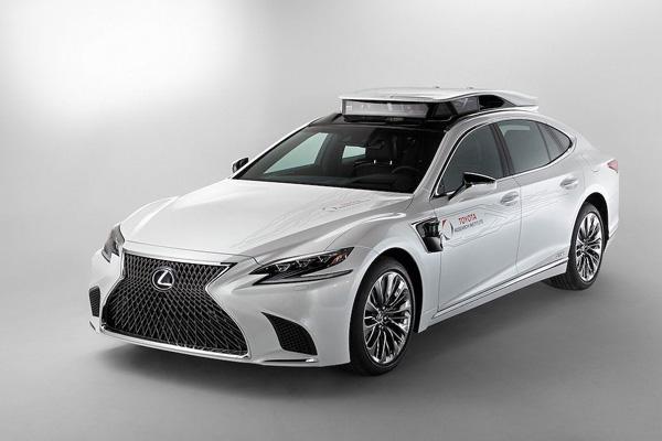 """Xế sang Lexus LS 500h được trang bị """"tài xế ảo"""" tự lái - 2"""