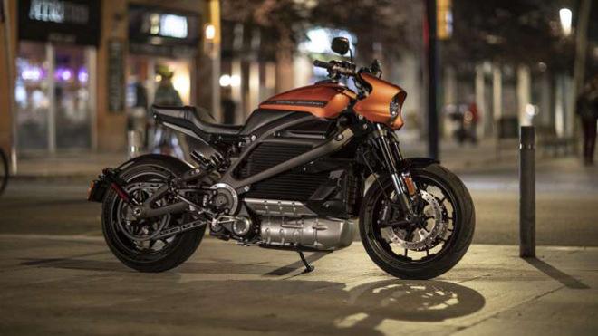 Mô tô điện Harley-Davidson LiveWire 2020 giá đắt ngang Hyundai Kona Electric - 1