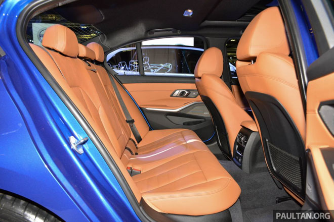 Ảnh thực tế BMW 330i 2019 thế hệ mới được ra mắt tại Singapore Motor Show 2019 - 9