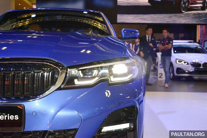 Ảnh thực tế BMW 330i 2019 thế hệ mới được ra mắt tại Singapore Motor Show 2019 - 10
