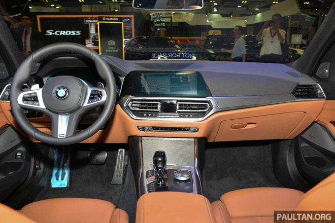Ảnh thực tế BMW 330i 2019 thế hệ mới được ra mắt tại Singapore Motor Show 2019 - 5