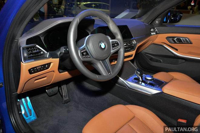 Ảnh thực tế BMW 330i 2019 thế hệ mới được ra mắt tại Singapore Motor Show 2019 - 6