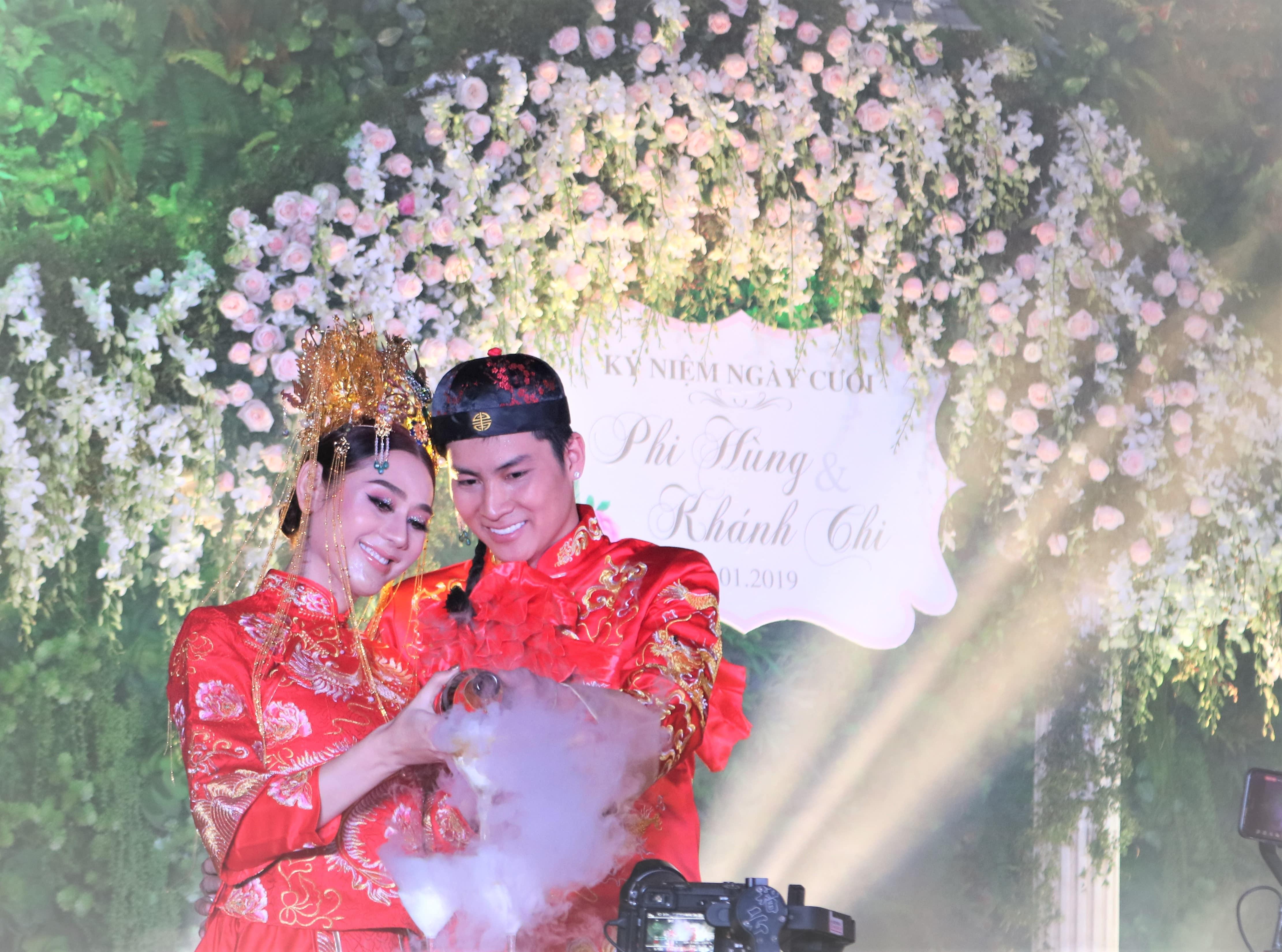 """Mẹ chồng Lâm Khánh Chi tặng quà """"khủng"""" trong lễ kỉ niệm 1 năm ngày cưới của con - 3"""