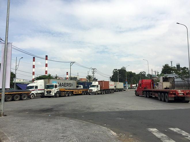 """Tài xế xe container """"phê"""" 3 loại ma túy vẫn ôm vô lăng phóng trên phố Sài Gòn - 8"""