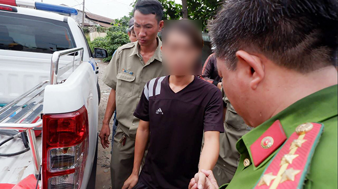 """Tài xế xe container """"phê"""" 3 loại ma túy vẫn ôm vô lăng phóng trên phố Sài Gòn - 7"""