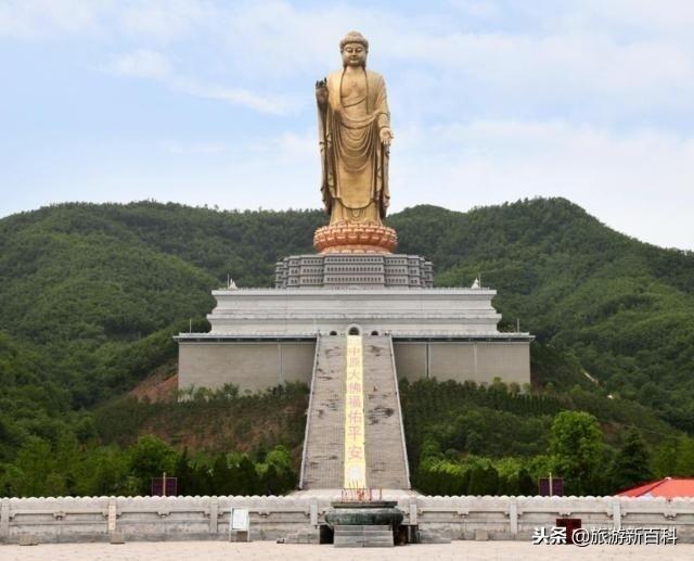 Tượng Phật cao nhất thế giới, muốn chạm tay vào phải trả tiền - 1