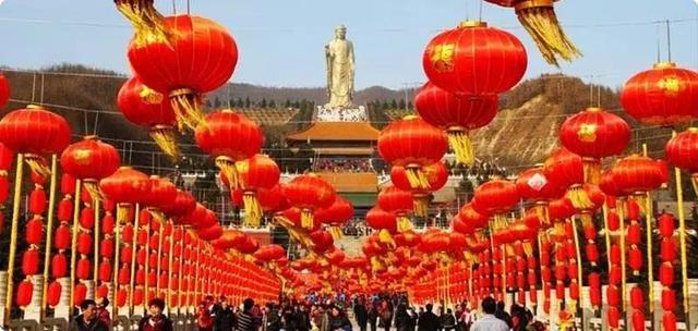 Tượng Phật cao nhất thế giới, muốn chạm tay vào phải trả tiền - 3