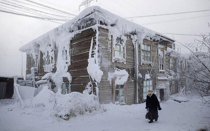 Thành phố chìm trong cái lạnh -60 độ, người dân vẫn đi làm còn trái cây thì quý hơn vàng - 1