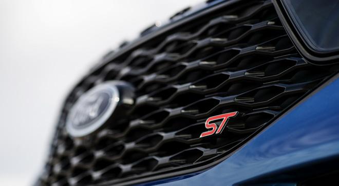 Ford Hoa Kỳ công bố giá bán cho mẫu SUV Explorer 2020 từ 753 triệu đồng - 8