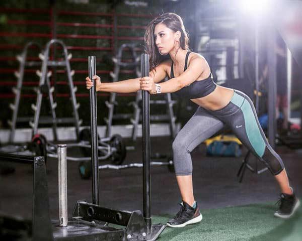 """""""Hot girl phòng gym Việt"""" có vòng 3 gần một mét không chỉ nhờ ngồi xổm - 4"""