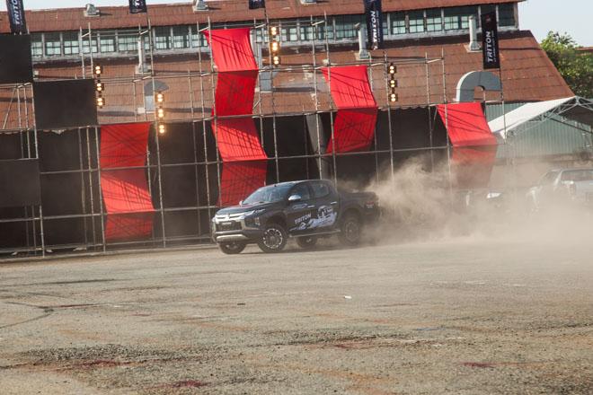 Mitsubishi Triton 2019 ra mắt thị trường Việt Nam bằng những màn drift xe kịch tính - 7