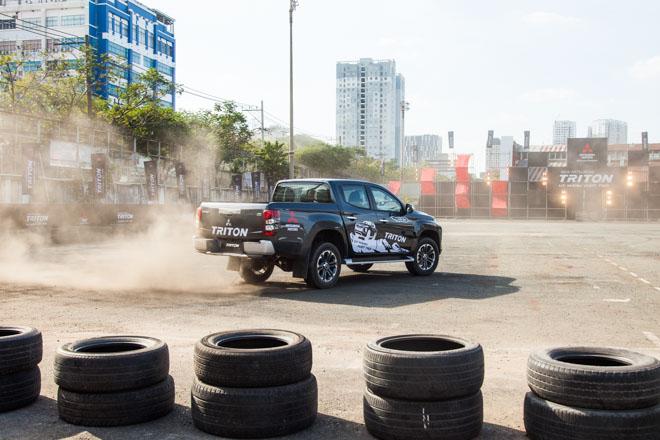 Mitsubishi Triton 2019 ra mắt thị trường Việt Nam bằng những màn drift xe kịch tính - 9