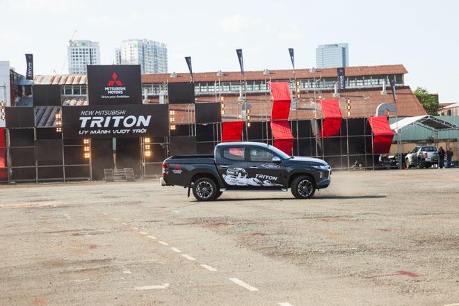 Mitsubishi Triton 2019 ra mắt thị trường Việt Nam bằng những màn drift xe kịch tính - 10