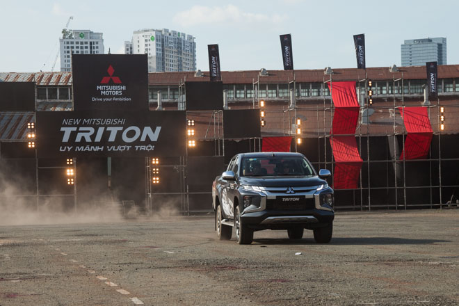 Mitsubishi Triton 2019 ra mắt thị trường Việt Nam bằng những màn drift xe kịch tính - 11