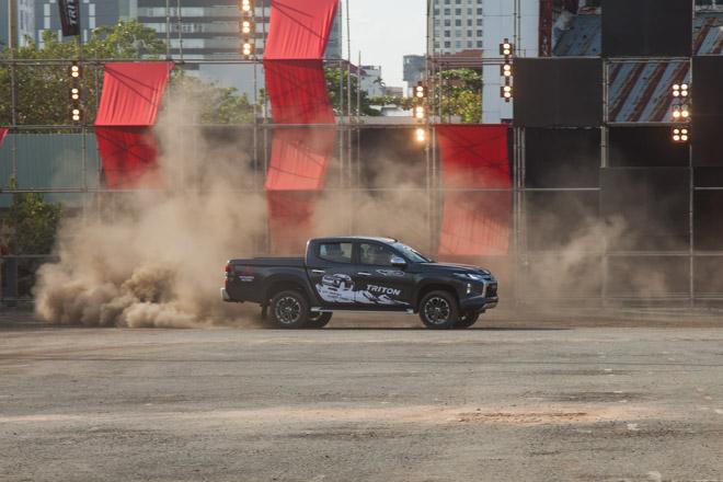 Mitsubishi Triton 2019 ra mắt thị trường Việt Nam bằng những màn drift xe kịch tính - 12