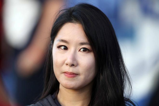 """Nữ phóng viên Hàn Quốc xinh đẹp """"săn"""" thầy Park & ĐT Việt Nam - 13"""