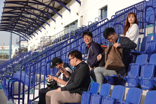 """Nữ phóng viên Hàn Quốc xinh đẹp """"săn"""" thầy Park & ĐT Việt Nam - 4"""