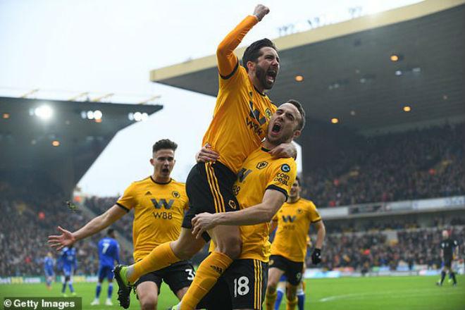 Wolverhampton - Leicester City: Bất ngờ siêu sao và màn rượt đuổi 7 bàn - 1