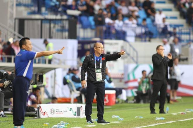 Bí mật ông Park nói gì với ĐT Việt Nam sau hiệp 1 trận đá Jordan? - 2