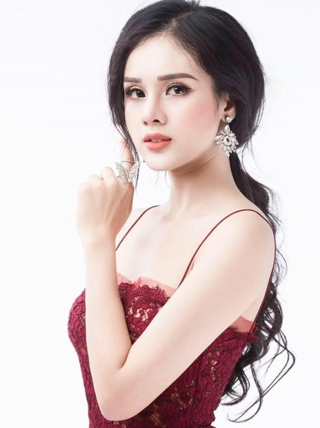 Bạn gái Trọng Đại mặc áo tắm như nội y tại Hoa hậu Bản sắc Việt toàn cầu