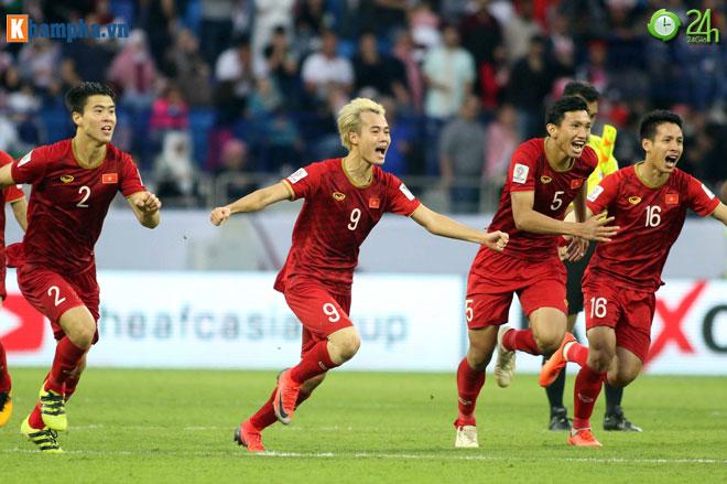 """8 anh hào vào tứ kết Asian Cup: Việt Nam sánh vai """"ông trùm"""" châu Á - 1"""