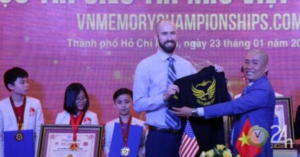 Muốn như HLV Park Hang Seo, nhà vô địch siêu trí nhớ của Mỹ sang VN làm điều này