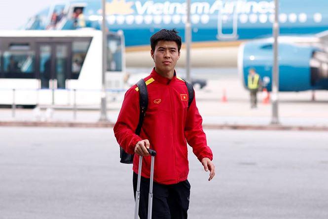 HLV Park Hang Seo và học trò rạng rỡ ngày về Việt Nam - 9