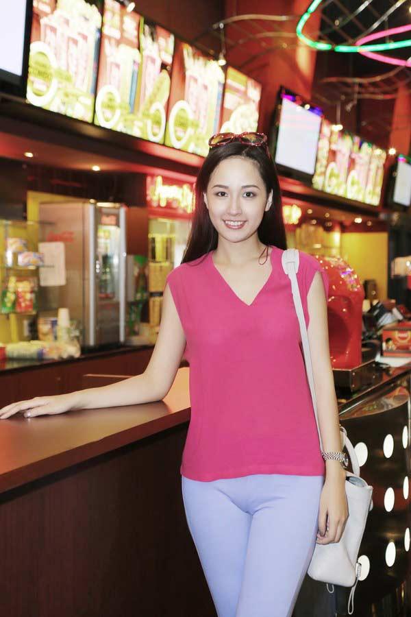Mặc đồ tập mỏng dính, Khánh My, Angela Phương Trinh… khiến nhiều người đỏ mặt - 4