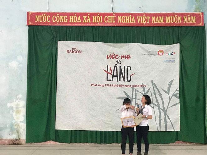 """Nhìn lại hành trình """"Ước Mơ Từ Làng"""" trao học bổng học sinh nghèo trên cả nước - 3"""