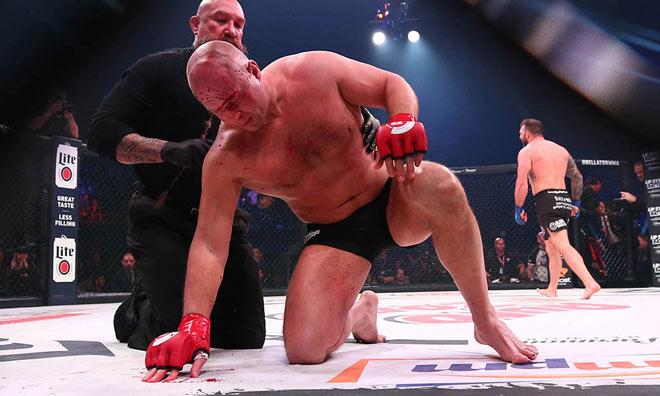 """""""Sa hoàng"""" MMA tái xuất: 35 giây 2 cú đấm """"trái đất ngừng quay"""" - 1"""