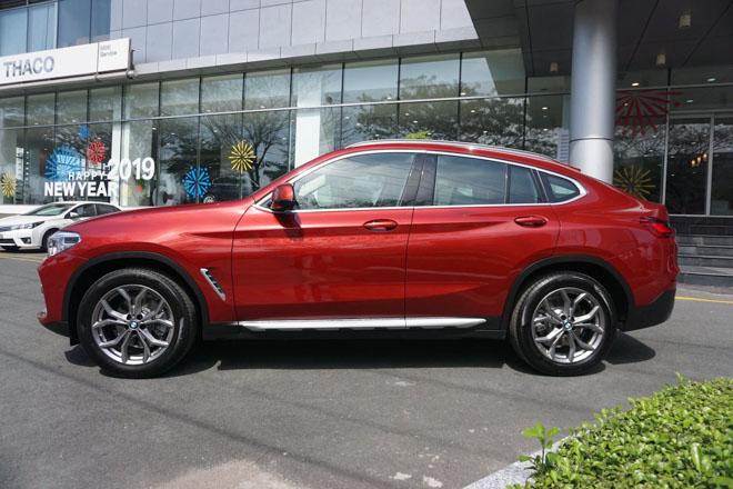Ảnh thực tế BMW X4 2019 thế hệ mới đươc trưng bày tại showroom - 2