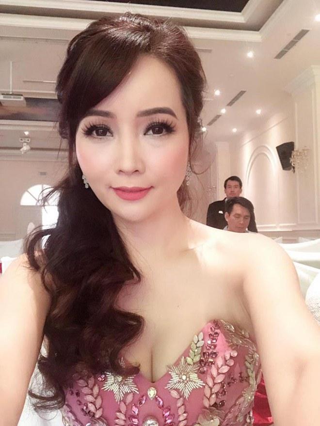 """Ở tuổi 40, """"cô Trúc"""" Mai Thu Huyền ngày càng táo bạo, sexy - 7"""