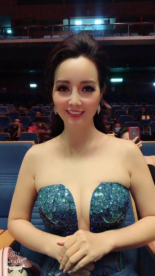 """Ở tuổi 40, """"cô Trúc"""" Mai Thu Huyền ngày càng táo bạo, sexy - 5"""