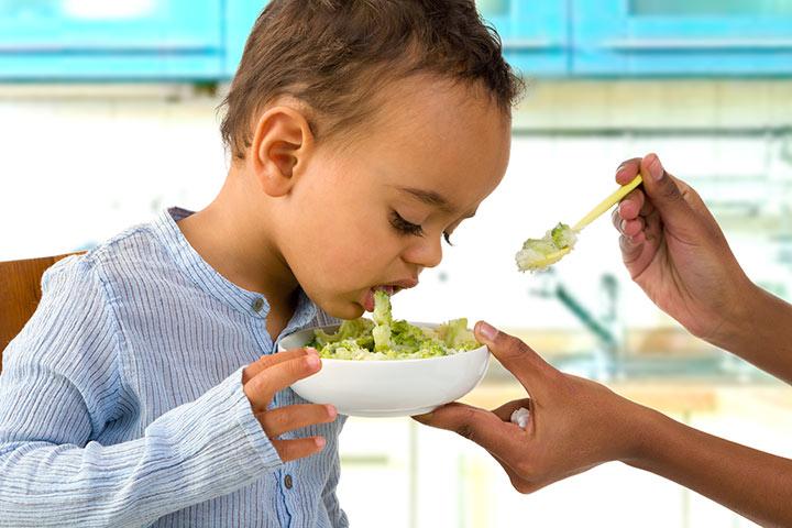 Ngộ độc thức ăn ở trẻ và cách xử trí đúng - 1