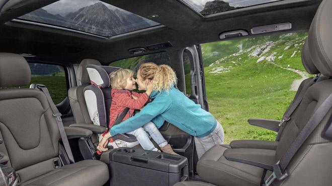 Mercedes-Benz giới thiệu V-CLass 2019 bản nâng cấp với hộp số tự động 9 cấp - 7
