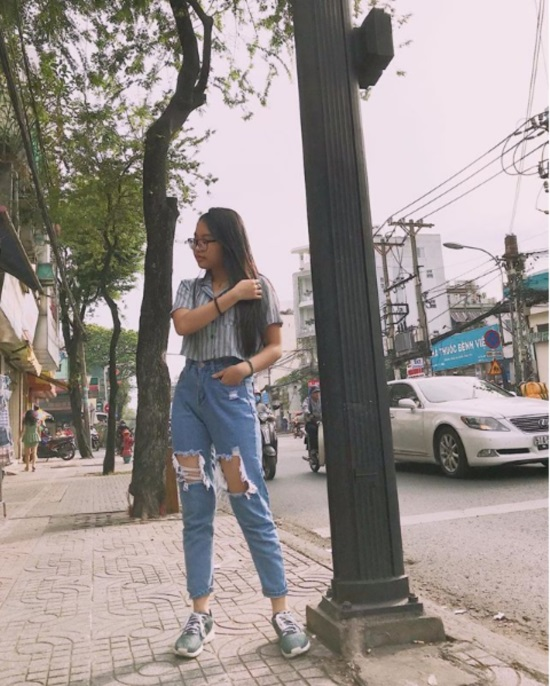 16 tuổi: Phương Mỹ Chi ngày càng sành điệu với áo hở rốn, quần te tua - 3