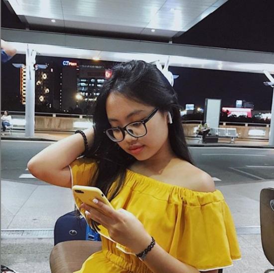 16 tuổi: Phương Mỹ Chi ngày càng sành điệu với áo hở rốn, quần te tua - 2