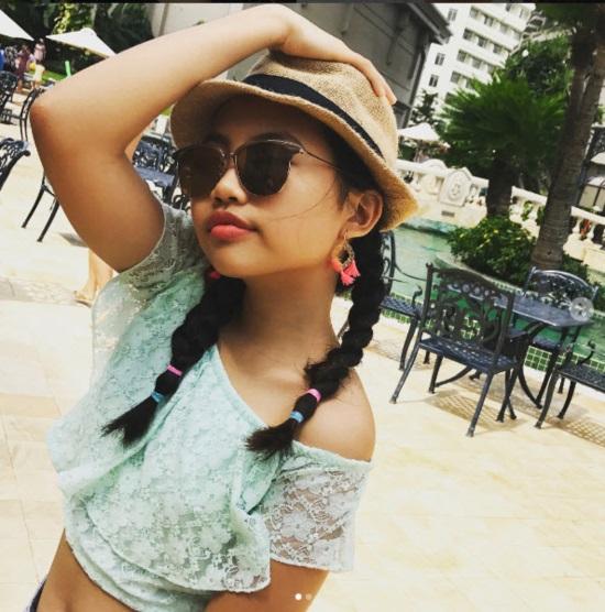 16 tuổi: Phương Mỹ Chi ngày càng sành điệu với áo hở rốn, quần te tua - 10