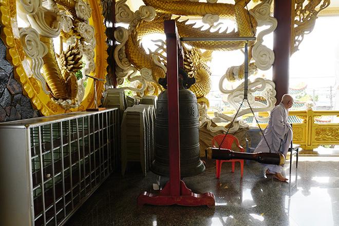 Ngôi chùa có bức phù điêu cây bồ đề nổi lớn nhất Việt Nam ở Sài Gòn - 10