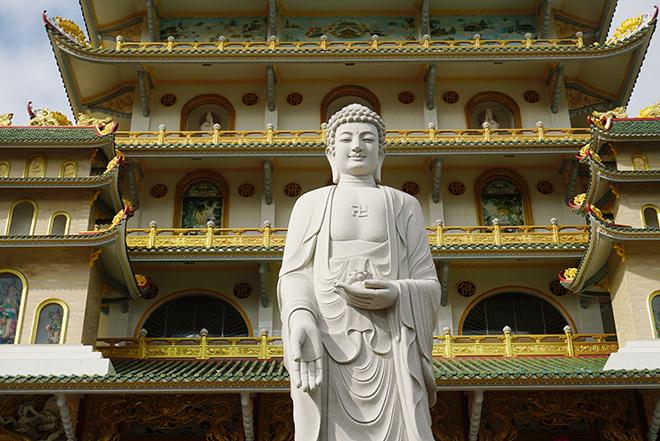 Ngôi chùa có bức phù điêu cây bồ đề nổi lớn nhất Việt Nam ở Sài Gòn - 13