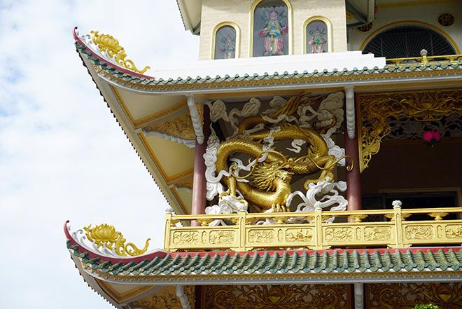 Ngôi chùa có bức phù điêu cây bồ đề nổi lớn nhất Việt Nam ở Sài Gòn - 11
