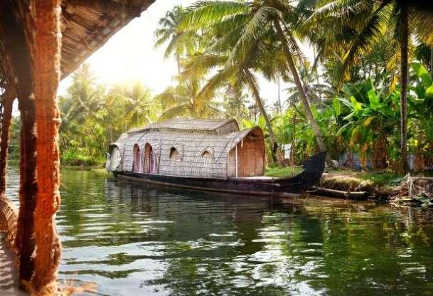 Hội An góp mặt trong top những điểm du lịch lãng mạn nhất cho ngày Valentine - 2