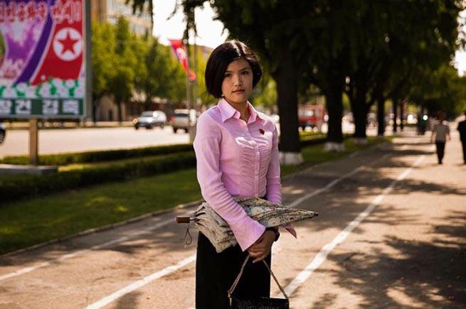 """Phu nhân ông Kim Jong-un: """"Cơn sốt thời trang"""" tại Triều Tiên - 6"""