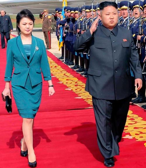 """Phu nhân ông Kim Jong-un: """"Cơn sốt thời trang"""" tại Triều Tiên - 11"""